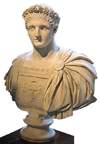 Keisari Dominitanuksen marmorinen rintakuva valkoisella taustalla